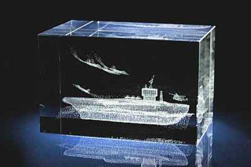 Подарок корабль с гравировкой 92